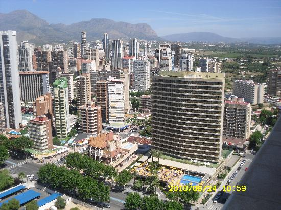 Torre Levante Apartments: by day