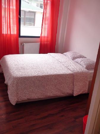 Little Wing Guesthouse: double bed