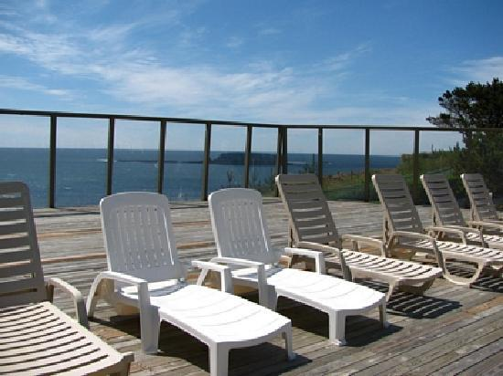 Inn at Otter Crest: Relax on the Sundeck by the Pool