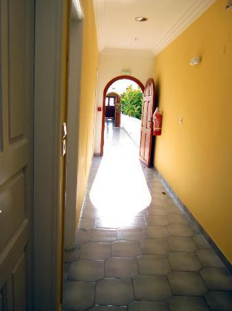 Albatros Hotel: Hallway