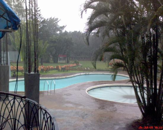 Biji's Hill Retreat: Swimming Pool View-1