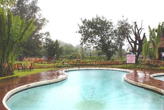 Biji's Hill Retreat: Swimming Pool View-2