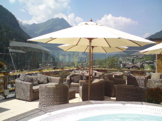 Hotel Vermala: Upper level terrace