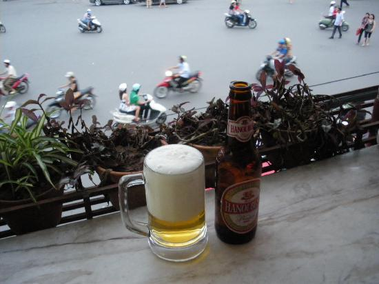 Hanoï, Vietnam : Cafeで街をみながらビールも素敵ですよ!
