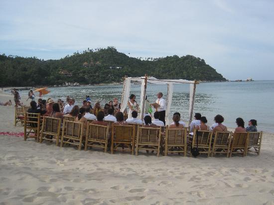 Baan Panburi Village At Yai Beach: Beach wedding