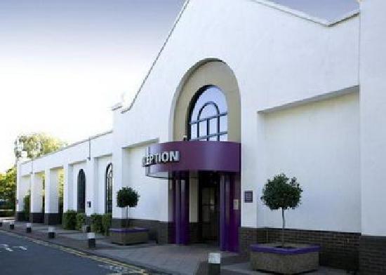Premier Inn South Mimms/Potters Bar Hotel: FRONT OF THE PREMIER INN
