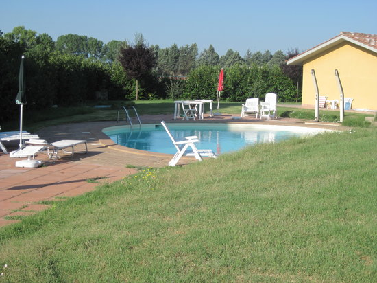 Le Macerine: la piscina
