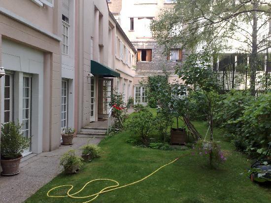 Hotel Le Vert Galant : garden