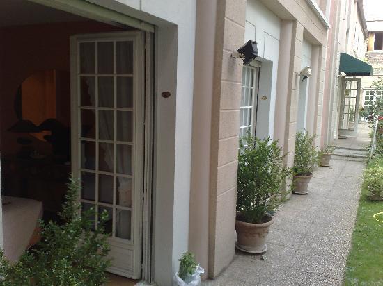 Hotel Le Vert Galant : garden/room