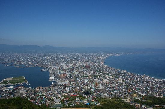 Hakodate, Japan: 昼の函館山です(2010年6月撮影)