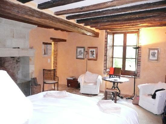 Chateau de la Barre : The charming bedroom in Les Glycines