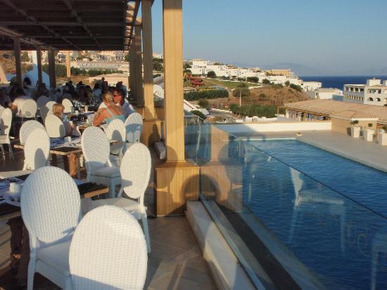 Mitsis Blue Domes Resort & Spa: Main Veranda