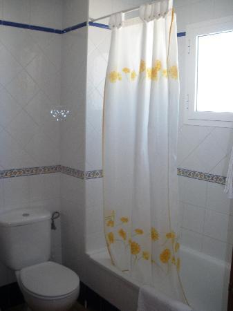 Hotel Oasis Atalaya : Baño