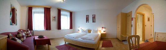 Absam, Austria: Sehr  schönes und helles Zimmer