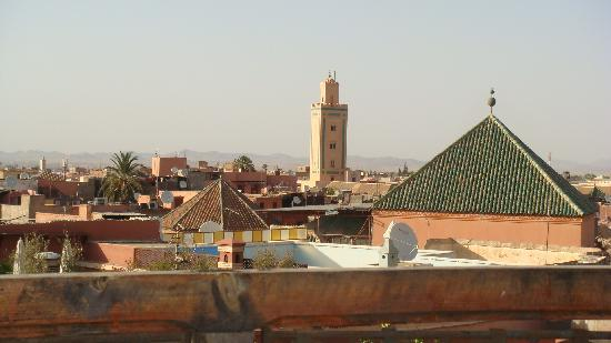 Equity Point Marrakech Hostel : Rooftop view of the mosque