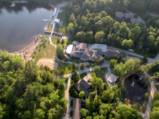 Orford, Kanada: Vue aérienne du centre de villégiature Jouvence