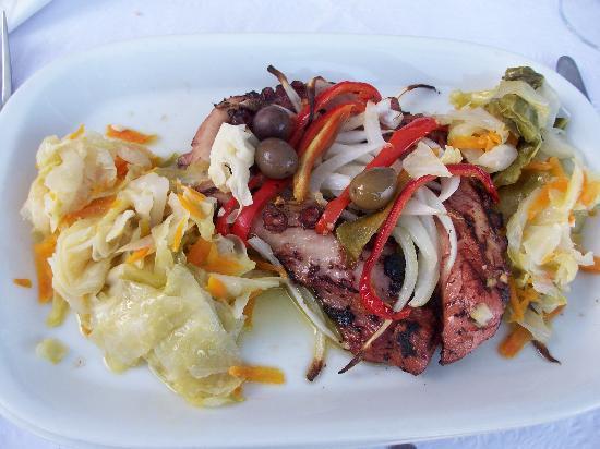 A Canastra da Ribeira: Grilled Octopus