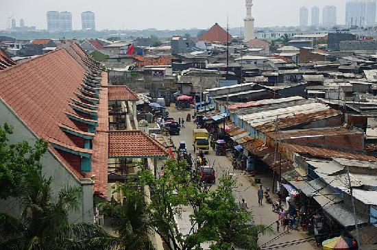 Sunda Kelapa Harbour: 見晴らし塔から見た海洋博物館方面