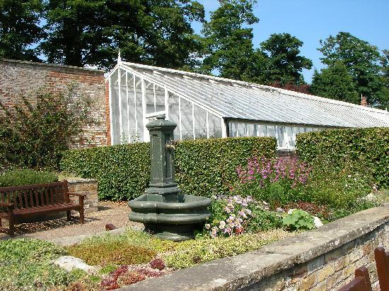 Bridlington, UK: walled garden