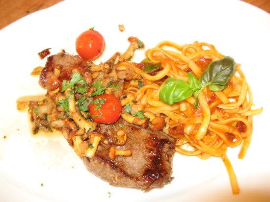 Andechser am Dom: Rump...steak - seasonal dish - taken twice