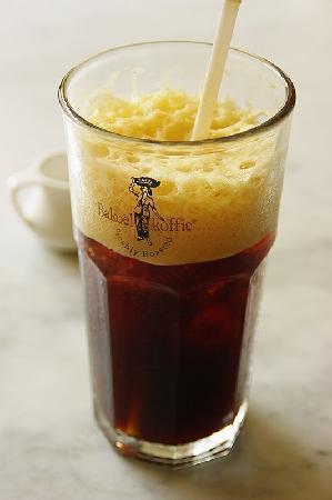 Bakoel Koffie Cikini: 定番のアイスコーヒーです。暑いときはこれに限ります。