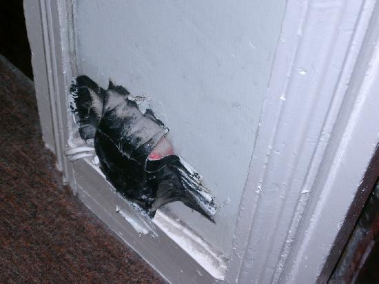 Aquarius Hotel: Stromverteiler neben der Zimmertür. Praktisch umd an zu zapfen.