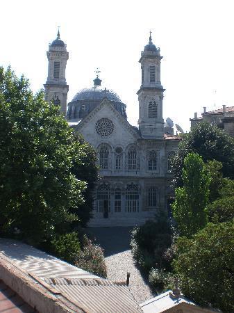 Triada Hotel: La vista dalla nostra Stanza, Chiesa S.Triada