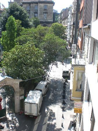 Triada Hotel: La vista dalla nostra Stanza, Meselik Sokak