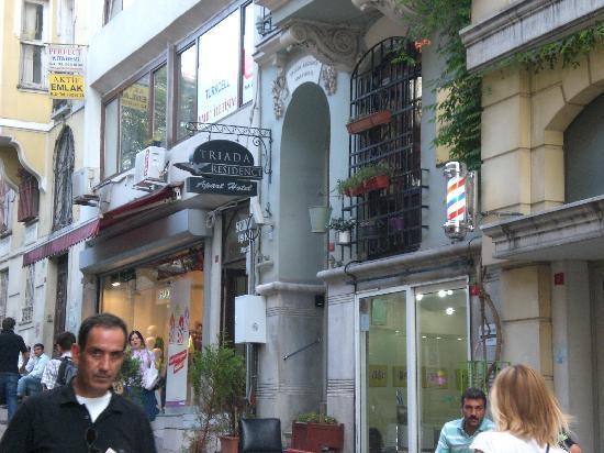 Triada Hotel: L'ingresso dell'Hotel.