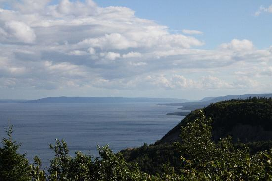 Cape Breton Highlands National Park: View from Cape Smokey looking south