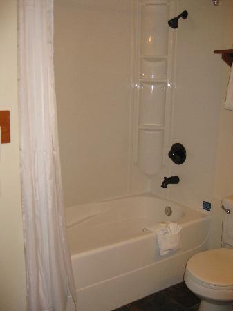 badezimmer - picture of pyramid lake resort, jasper - tripadvisor, Badezimmer