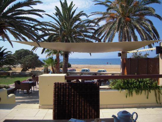Finikas Hotel: Restaurantbereich und Bar