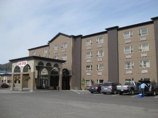 Best Western Plus Kamloops Hotel: Außenansicht