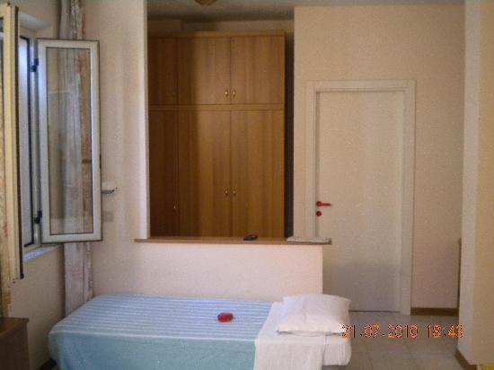 Albergo Elena: camera da letto
