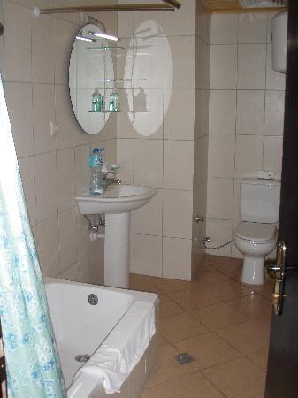 Panorama Hotel : Bathroom