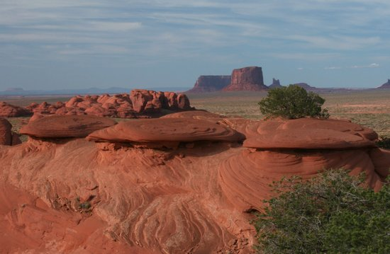 Monument Valley, UT: The Saucers