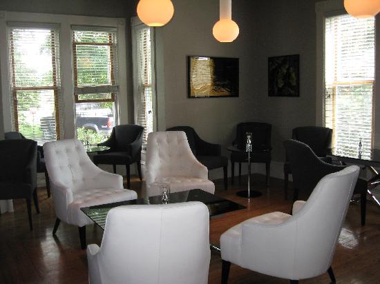Le Pleasant Hotel & Cafe: Lounge