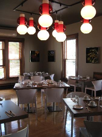 Le Pleasant Hotel & Cafe: dining room