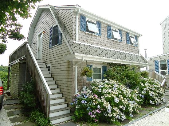 An English Garden Bed and Breakfast: The carriage house