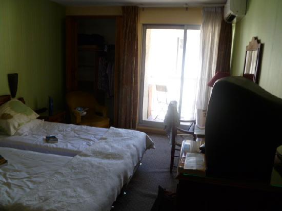 Hotel des Tuileries : Room 407