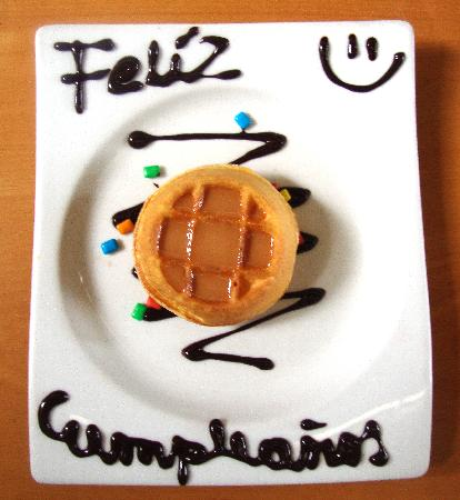 Crepes & Waffles : Mini Waffle de cortesia para los cumpleaneros