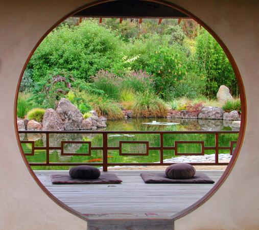 The top 10 things to do near pearlessence vineyard inn for Japanese meditation garden