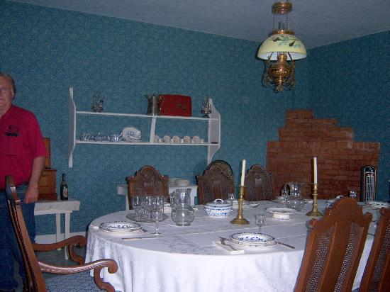 Medora, ND: dining room