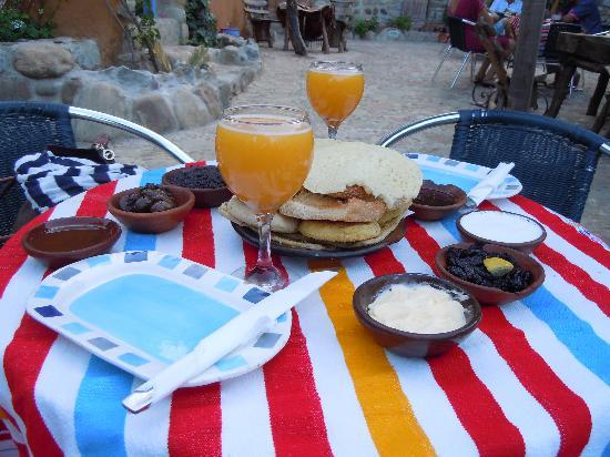 Dar Echchaouen: Breakfast