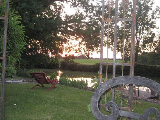 La Bergerie : View from backyard