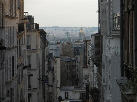 Sight Seeker's Delight Unique Walking Tours : View of Paris from hilltop in Montmarte