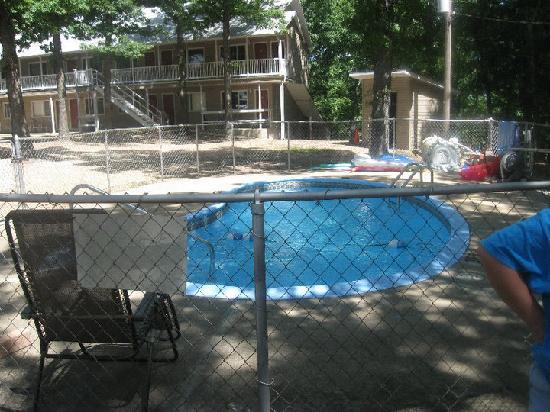 The Country Inn of Eureka Springs: pool