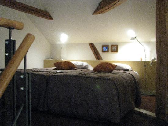 Hotel Leonardo Prague: the bedroom upstairs
