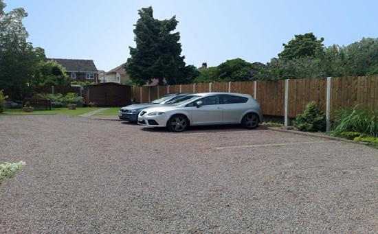 Albion Guest House: Off Street Parking