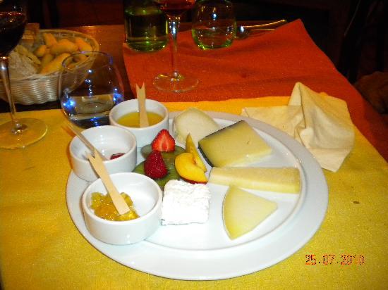 L'insolita Zuppa : Delicious cheese plate